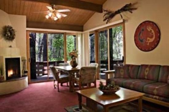 Junipine Resort: Guest room