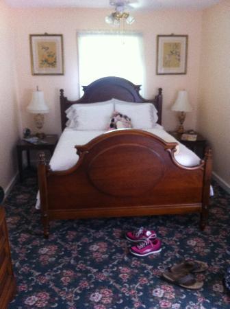 Lillie Marlene, A Fredericksburg, Texas Guesthouse: bedroom