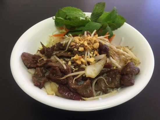 Pho King: Vermicelli with lemongrass beef B12