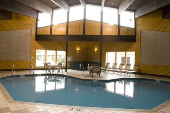 Avalon Hotel & Conference Center: Pool