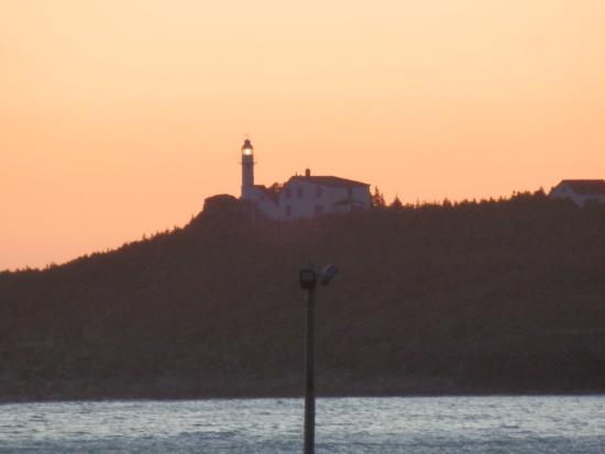 Gros Morne Cabins: Lobster Cove Head lighthouse