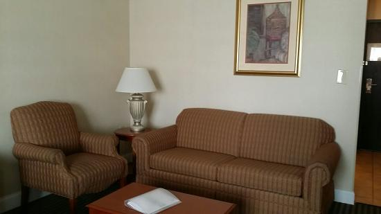 Holiday Inn - Concord Downtown: My hotel room!