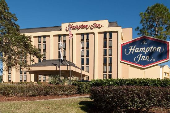 Hampton Inn Orlando International Airport: Hotel Exterior