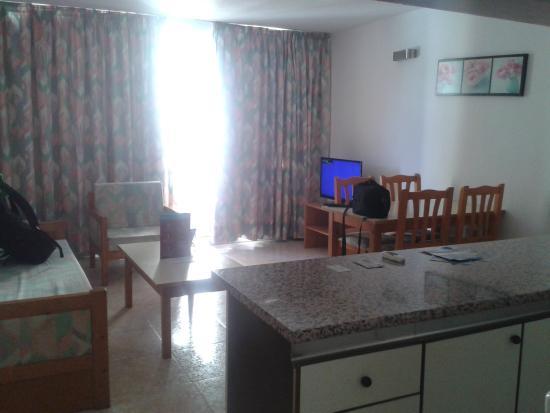 Apartamentos Lido: Habitación