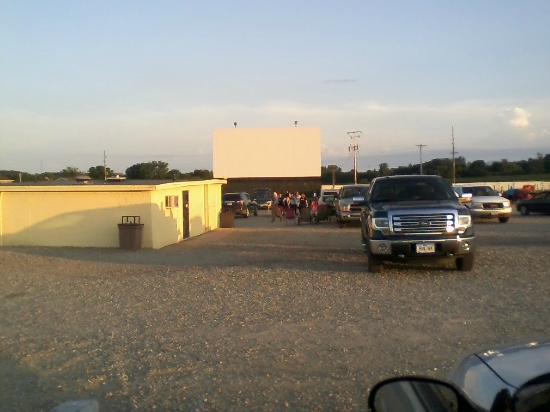 Drive in theater in newton iowa