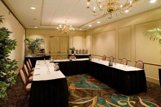 Doubletree by Hilton Atlanta Roswell: Meeting U Shape