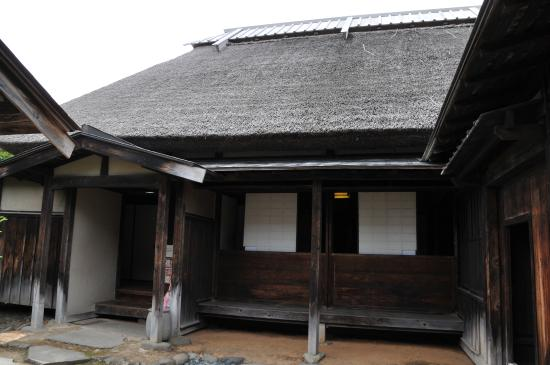 Hirosaki City Nakamachi Traditional Samurai House Preservation Area: 家