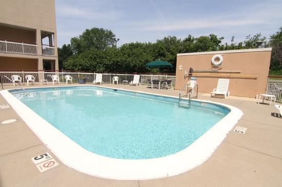 Red Roof Inn Cedar Rapids: Pool