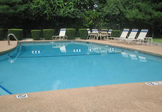 Spring Valley, estado de Nueva York: Outdoor Pool