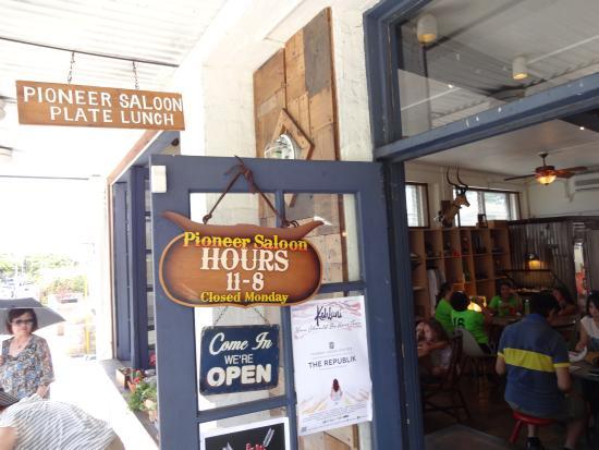 Pioneer Saloon: 外観