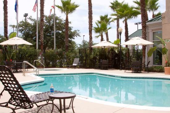 Hilton Garden Inn Jacksonville JTB / Deerwood Park: Outdoor Pool and Whirlpool