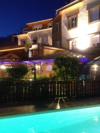 Hotel Les Autanes : AUTANES PISCINE 2015