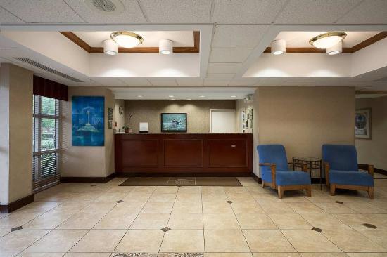 Homewood Suites Orlando/International Drive/Convention Center: Front Desk