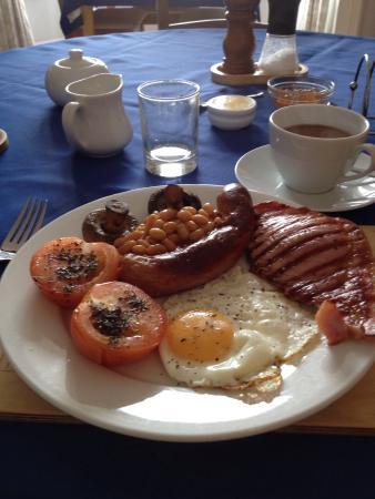 Preswylfa Guest House: Breakfast by Jane