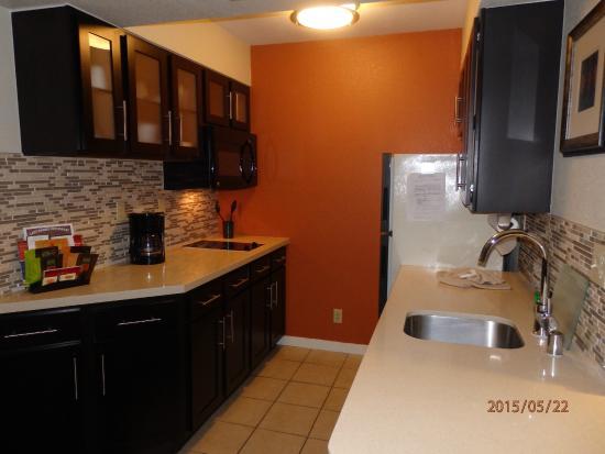 Staybridge Suites San Jose: Kitchen