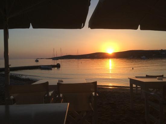 Diplos Studios: Sunset on the beach
