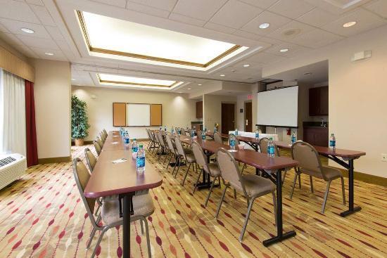 Hampton Inn Wilkesboro: Meeting Room