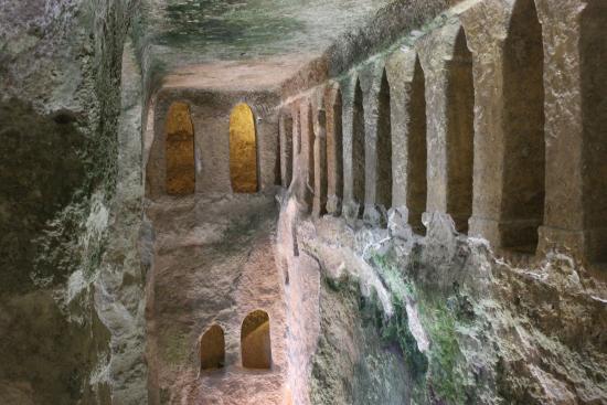Aubeterre-sur-Dronne, France: L'intérieur vue d'en haut