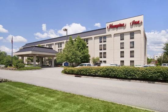 Hampton Inn by Hilton Middletown: Exterior Main Entrance