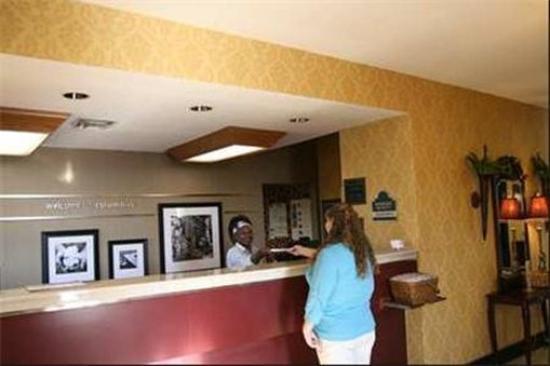 River Chase Inn: Lobby view
