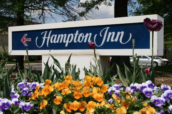 Hampton Inn Pittsburgh/Cranberry: Hampton Sign