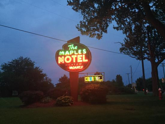 Maples Motel Photo