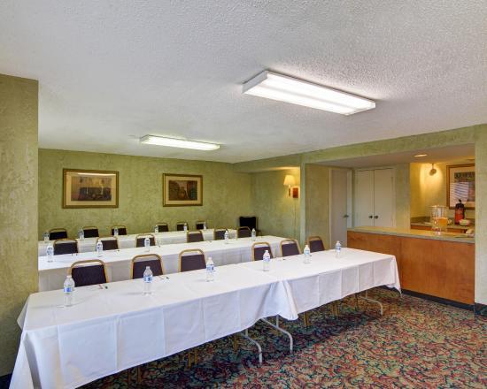 Quality Inn at Arlington Highlands: Meeting Room