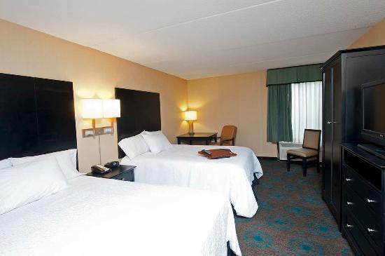 Hampton Inn Bloomington: Room with 2 Queen Beds