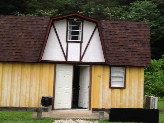 Li'l Abner Motel: Here is what we rent for a cabin