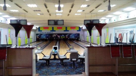 Taj Bowling