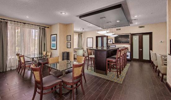 Hampton Inn Niceville-Eglin Air Force Base: Perfect Mix Lobby
