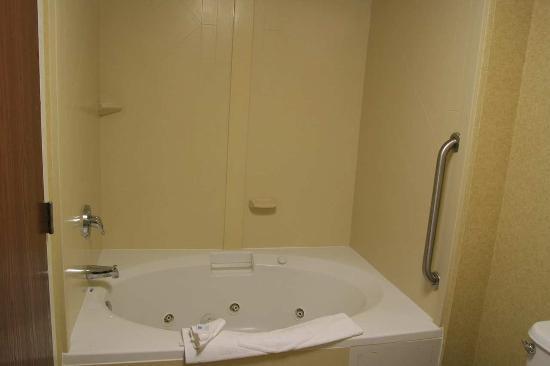 Hampton Inn & Suites Clermont: Suite Whirlpool