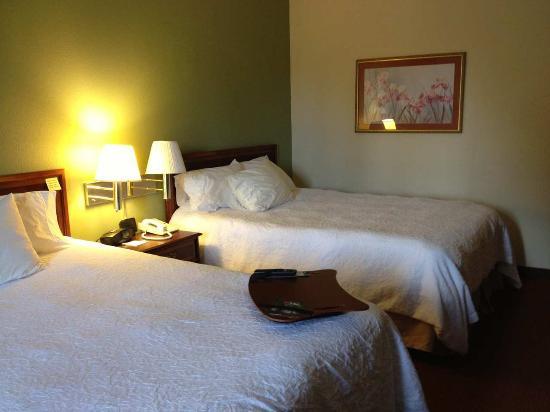 Hampton Inn Covington: Standard Non-Smoking Double Queen Room