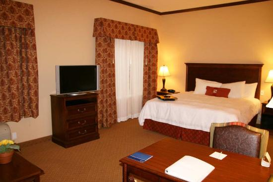 Hampton Inn & Suites Stephenville: King Study with Sofabed