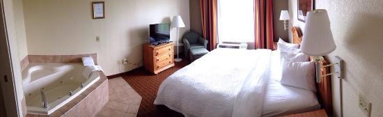 Lancaster Inn & Suites: photo0.jpg