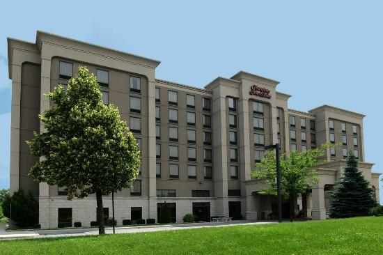 Hampton Inn & Suites by Hilton Windsor: Hampton Inn Wooster Exterior