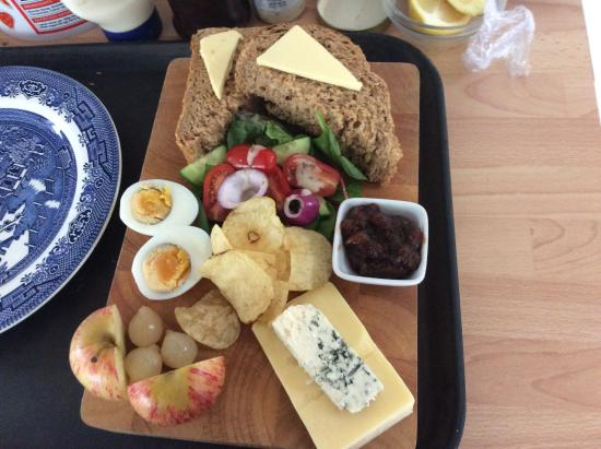 The Captains Cottage: Ploughmans.