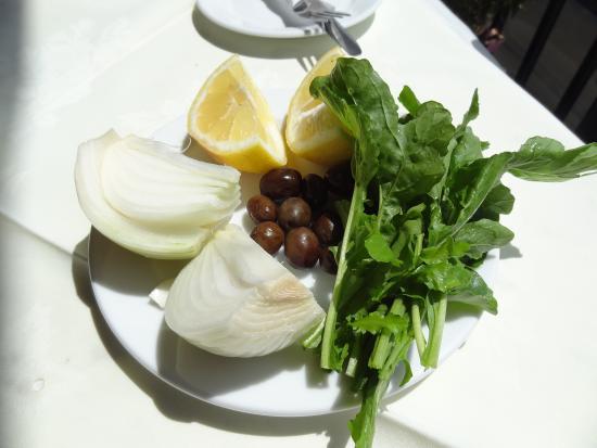 Extra-Beilage: Zwiebeln, Zitrone, ...