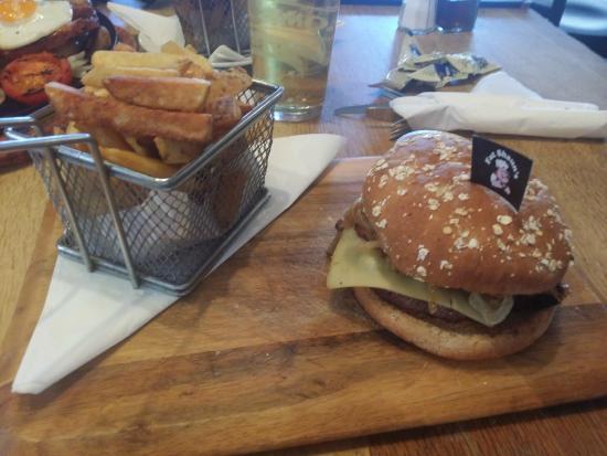 The Wheatsheaf: Burger & Fries