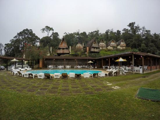 Hotel Do Ype: Vista da piscina e doe algumas cabanas