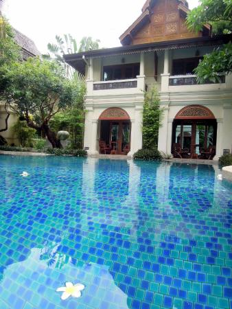 Khum Phaya Resort & Spa, Centara Boutique Collection: You can jump into the pool from the room
