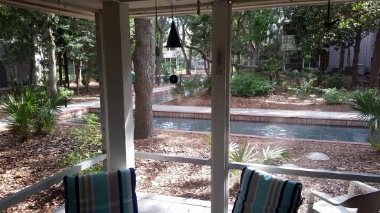 Hidden Dunes Beach & Tennis Resort: Beach Cottage 206- patio