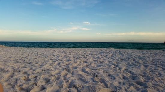 Hidden Dunes Beach & Tennis Resort: late afternoon beach in June at Hidden Dunes Beach and Tennis Resort