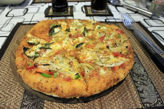 Di Angello Pizzeria : The Best Vegi Pizza ever.