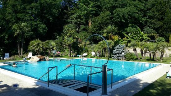 Piscina esterna foto di millepini terme hotel - Terme di castrocaro prezzi piscina ...