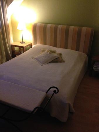 Hotel 3 Koenige: Bed
