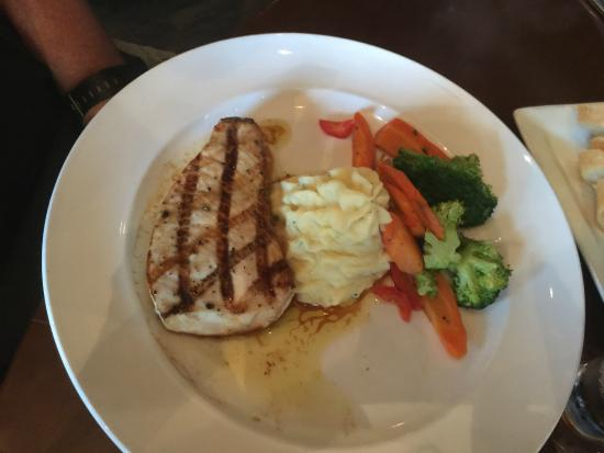 89 Fish & Grill: Swordfish, mashed potatoes and veggies