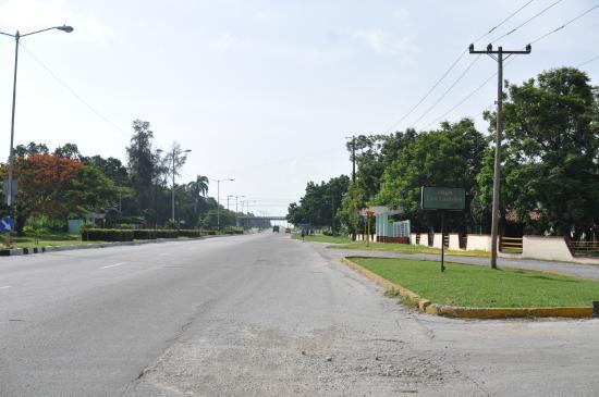 Islazul Villa Los Laureles : вывеска при въезде