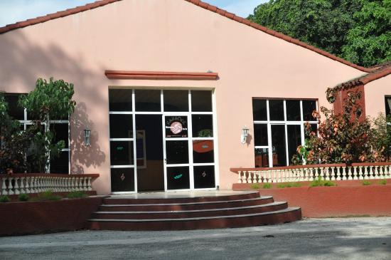 Islazul Villa Los Laureles : ресепшн