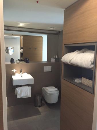 Chambre luxe, 3ème, vue sur cour intérieure. 2 lits simples ...
